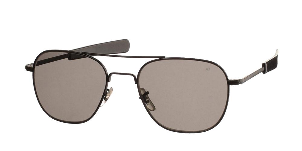 Μεταλλικά διαχρονικά μαύρα ανδρικά γυαλιά ηλίου Pilot 52 Black της εταιρίας American Opticalμε κρυστάλλινους φακούς για μικρά και μεσαία πρόσωπα.