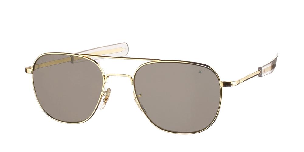 Μεταλλικά διαχρονικά χρυσά ανδρικά γυαλιά ηλίου Pilot 52 Gold της εταιρίας American Opticalμε κρυστάλλινους φακούς για μικρά και μεσαία πρόσωπα.