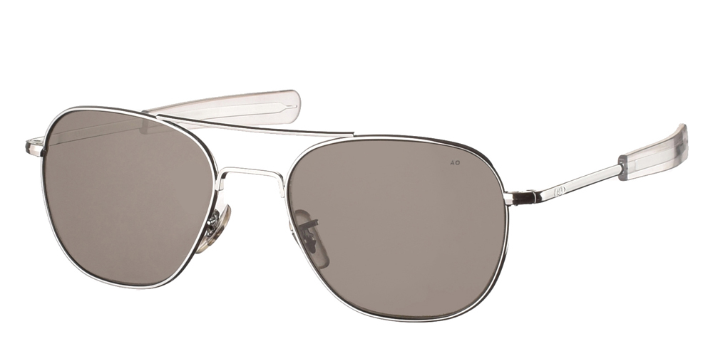 Μεταλλικά διαχρονικά ασημί ανδρικά γυαλιά ηλίου Pilot 55 Silver της εταιρίας American Opticalμε κρυστάλλινους φακούς για όλα τα πρόσωπα.