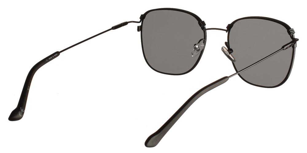 Ανδρικά και γυναικεία μεταλλικά τετράγωνα γυαλιά ηλίου Adidas Originals AOM014 009 σε μαύρο χρώμα και ασημί επίπεδους απαλούς καθρέφτεςγια όλα τα πρόσωπα.
