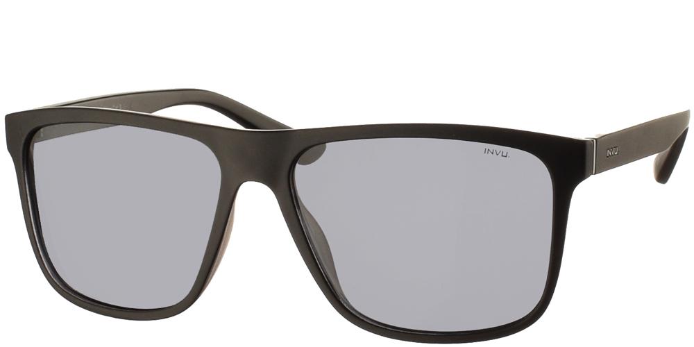 Διαχρονικά κοκάλινα ανδρικά γυαλιά ηλίου B2912 A σε μαύρο ματ σκελετό με γκρι polarized φακούς της εταιρίας Invuγια μεσαία και μεγάλα πρόσωπα.