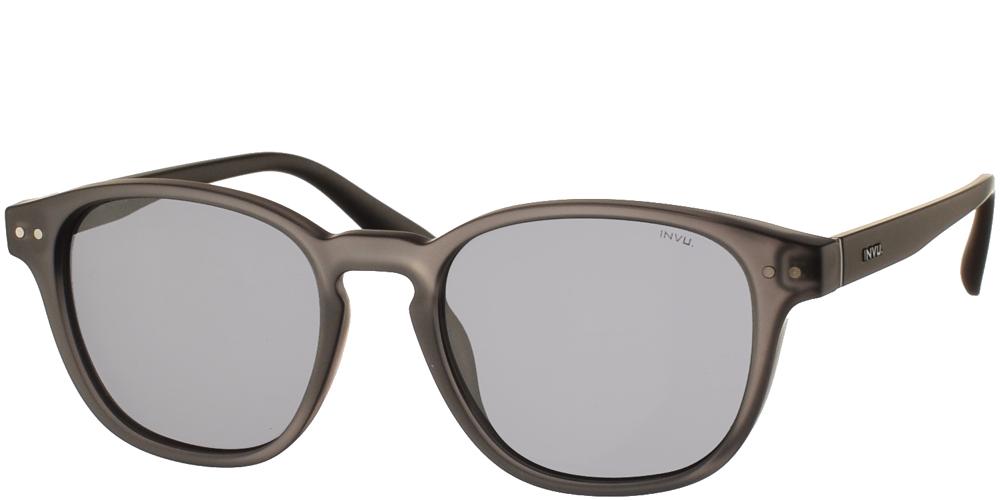 Διαχρονικά κοκάλινα ανδρικά γυαλιά ηλίου T2902 C σε γκρι ματ σκελετό με γκρι polarized φακούς της εταιρίας Invu για όλα τα πρόσωπα.