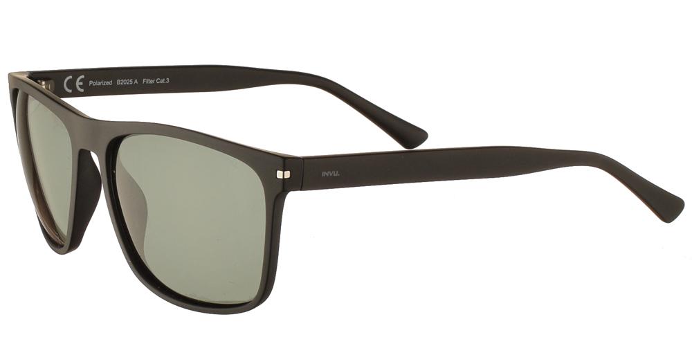 Διαχρονικά κοκάλινα ανδρικά γυαλιά ηλίου B2025 A σε μαύρο ματ σκελετό με πράσινους polarized φακούς της εταιρίας Invuγια μεσαία και μεγάλα πρόσωπα.