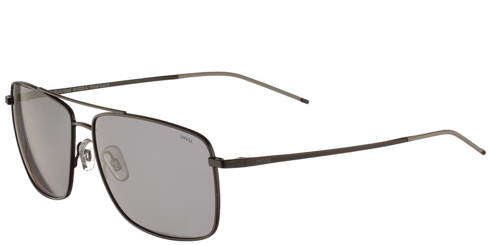 Διαχρονικά ανδρικά μεταλλικά γυαλιά ηλίου B1025 A σε μαύρο σκελετό με γκρι polarized φακούς της εταιρίας Invuγια μεσαία και μεγάλα πρόσωπα.