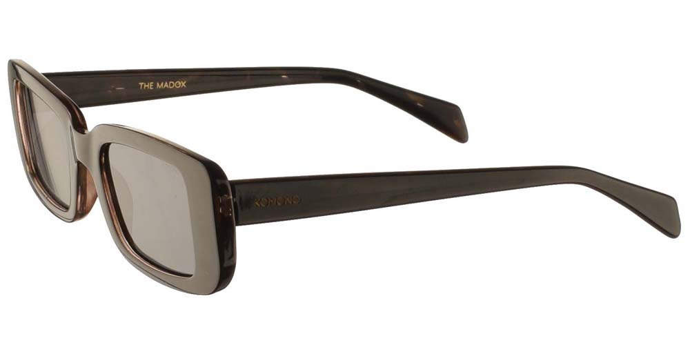 Τετράγωνα ανδρικά και γυναικεία γυαλιά ηλίου Komono Madox Black Tortoise σε μαύρη ταρταρούγα και σκούρους πράσινους φακούςγια όλα τα πρόσωπα.