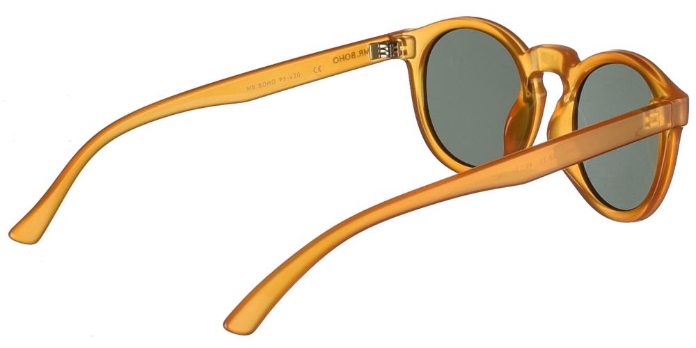 Στρογγυλά κοκάλινα ανδρικά και γυναικεία γυαλιά ηλίου Mr Boho Jordan AP-11 σε ανοιχτόχρωμο καφέ σκελετό και σκούρους πράσινους φακούςγια όλα τα πρόσωπα.
