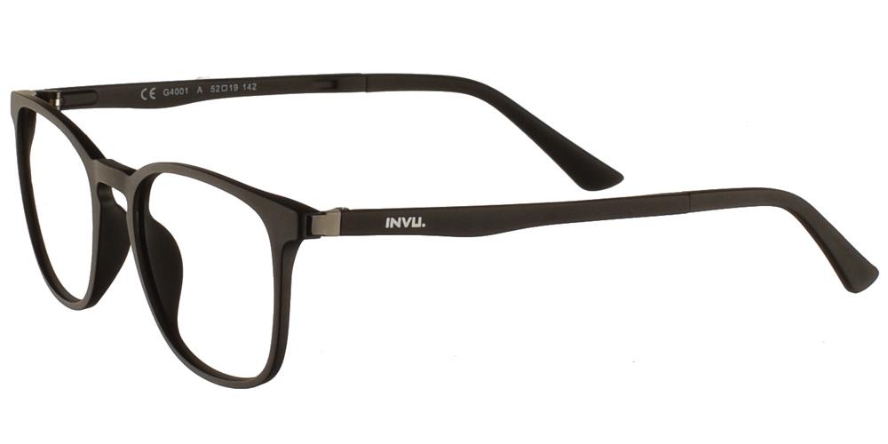 Τετράγωνα κοκάλινα γυαλιά οράσεως Invu G4001 A Clip On σε μαύρο ματ σκελετό με αποσπώμενο clip on με φακό γκρι polarizedγια όλα τα πρόσωπα.