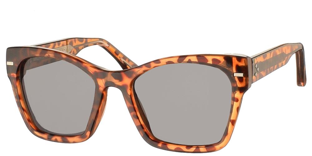 Γυναικεία κοκάλινα γυαλιά ηλίου πεταλούδα Coco σε καφέ ταρταρούγα με σκούρους γκρι φακούς της εταιρίας Spitfireγια όλα τα πρόσωπα.