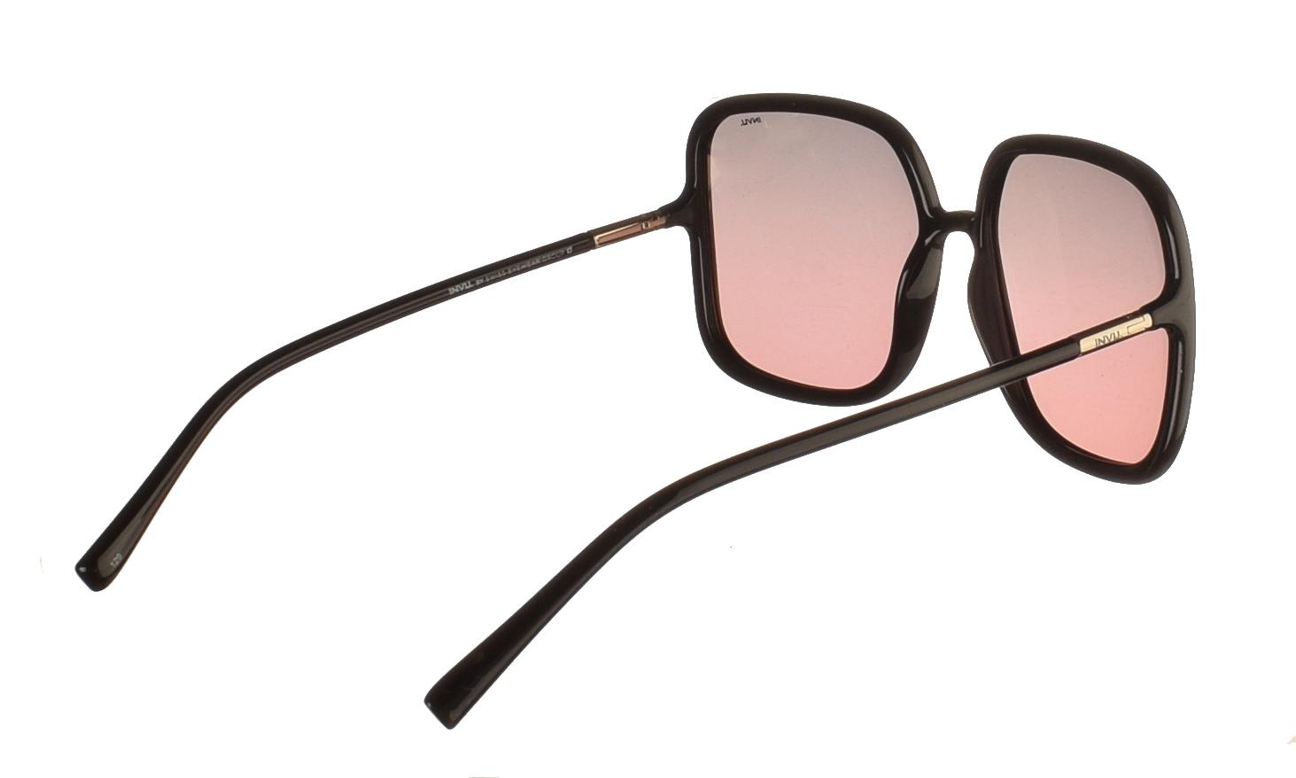 Διαχρονικά κοκάλινα γυναικεία γυαλιά ηλίου B2045 σε μαύρο σκελετό με γκρι μωβ ντεγκραντέ polarized φακούς της εταιρίας Invu για μεσαία και μεγάλα πρόσωπα.